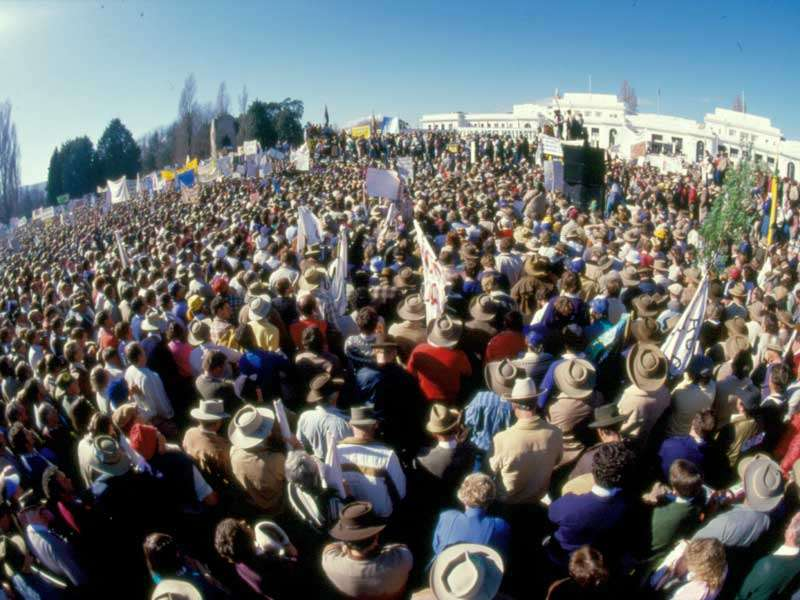 A rally of around 45,000 farmers outside Parliament House in 1985