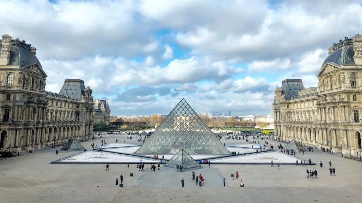 The Louvre in Paris (Image uploaded to Reddit by u/alicelily).