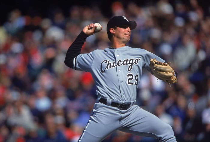 1997: Giants trade Keith Foulke and Bob Howry to the White Sox for pitching