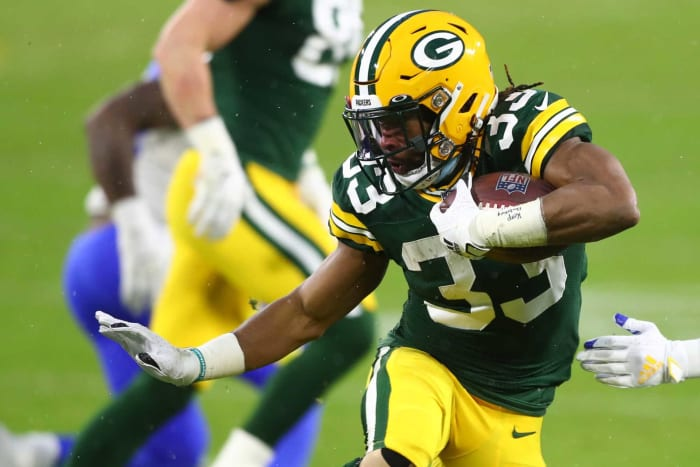 Cardinals sign Aaron Jones