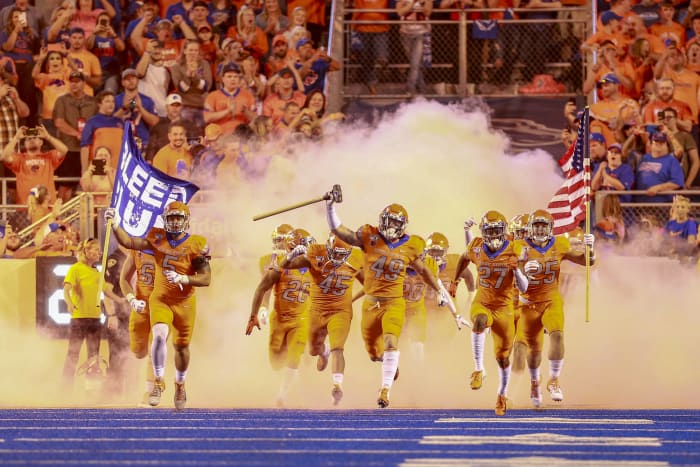 Air Force (2-0) at No. 20 Boise State (3-0), 9 p.m., Friday, ESPN2