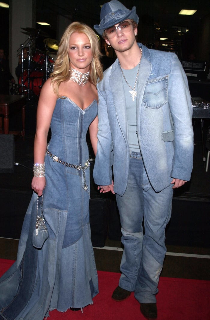 2001: Britney Spears and Justin Timberlake at the American Music Awards
