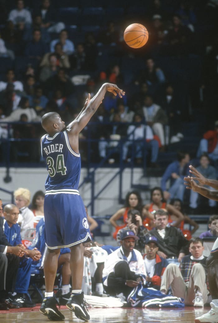 Isaiah Rider makes the unlikeliest three-pointer of his life