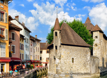 Study Abroad Reviews for College Consortium for International Studies (CCIS): Annecy - Institut Français des Alpes