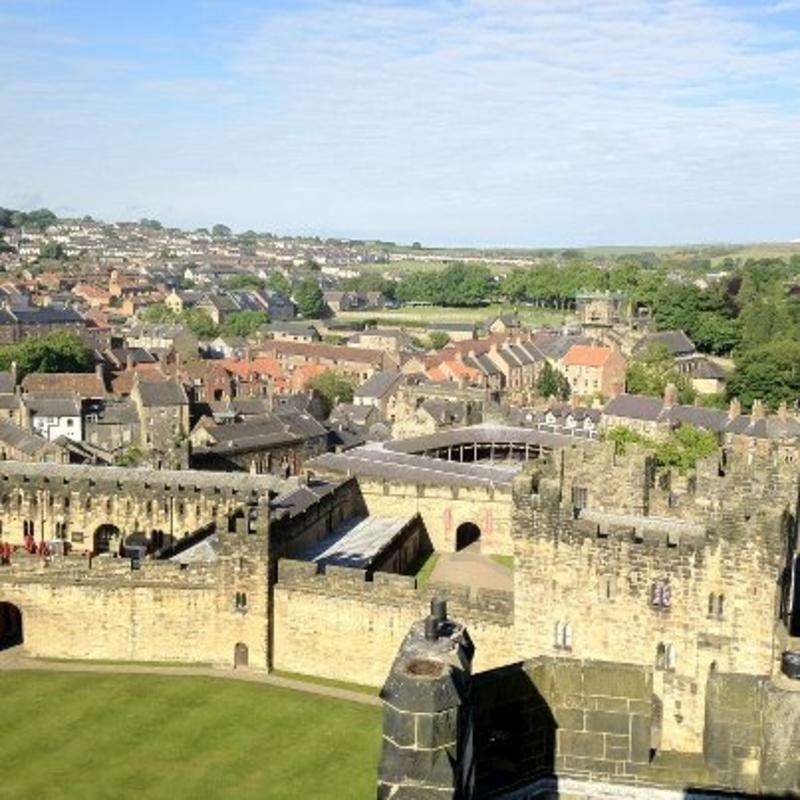 SCSU: Live and Study in a Castle! Alnwick, England | Go ...