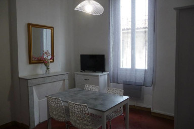 Nice 2 BEDROOMS renovated on the VIEUX PORT