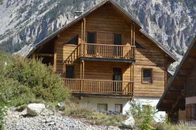 Chalet Le Murè hameau des Chazals Nevache Hautes Alpes