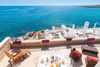 Terrazza Paradiso: Enchanting Seafront Apartment