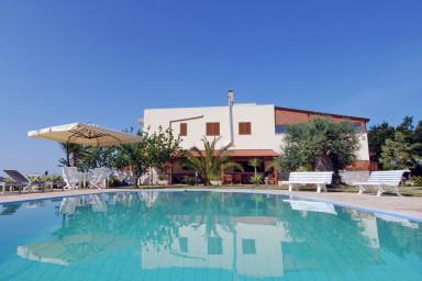 Villa Rita: Gorgeous villa with hillside view