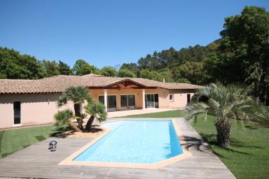 Spatiös 5-rums villa med stor terrass för sköna eftermiddagar i solen