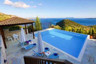 Villa Columba -Luxury and spacious villa with sea view