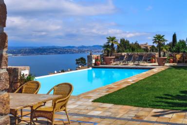 Härlig villa med oslagbar utsikt med plats för hela familjen