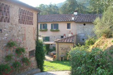 Rustik villa med pool i pittoreska Toscana