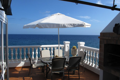 Apartment with direct access to the sea in Puerto del Carmen