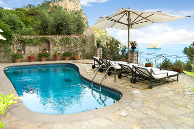 Exklusiv villa med pool och oslagbar utsikt över Amalfi kusten