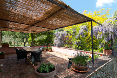 Stor bondgårds villa med pool på landsbygden i Toscana