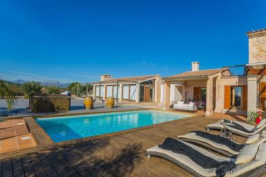 Modern och stor finca med pool nära Port d'Alcudia