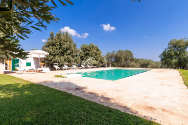 Masseria Terrarossa: Farmhouse Holiday in Puglia