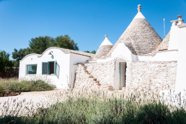 Trulli Coccia: Traditional Trulli Complex with Private Pool