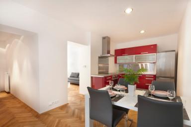 New Londynska Apartment