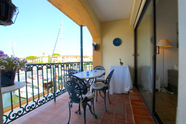 Appartement 2 chambres sur canal Port Grimaud Sud