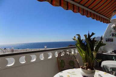 Colina del Sol studio with wide sea view in old town of Puerto del Carmen