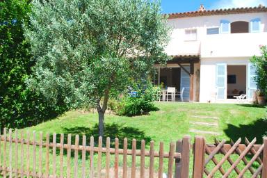 Maison spacieuse avec Climatisation et grand jardin avec amarrage 11m