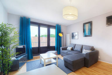 Bright apartment close to the center for 4 people