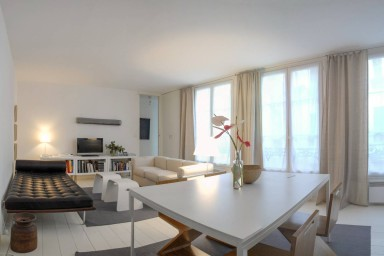 LIGHT AND SPACIOUS 1 BDR LOFT APARTMENT IN THE MARAIS (SLEEPS UP TO 2)