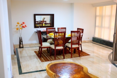 Huge 3-Bedroom Santa Teresita unit by the Cali Zoo