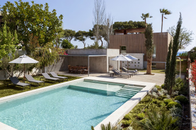 La Roca - Modern villa with private pool in front of the sea