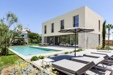 Villa Romaní – Wonderful new modern villa w/ private pool close to the sea