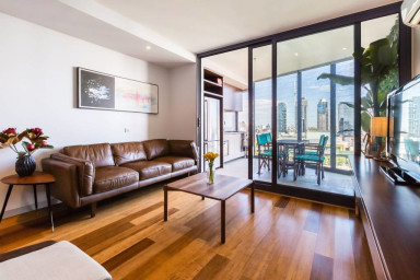 River, Skyhigh 1 BED Apartment on Flinders St