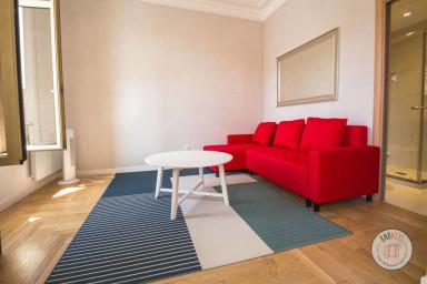Appartement rénové, lumineux et spacieux à 200 mètres de Monaco