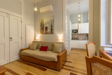 Charming 1 bedroom apartment in Lisbon's historic center heart