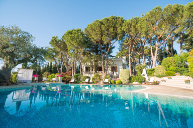 Villa Chiara: an exclusive historic villa with private pool