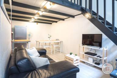 Superbe Studio Duplex situé sur le port de Nice