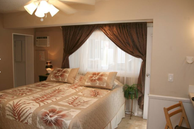 Charming Kalama Room