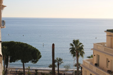 Beautiful, luxe Studio - Sea view - Cannes Croisette - by IMMOGROOM