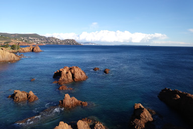 Splendid view of the Mediterranean sea & pool - W269