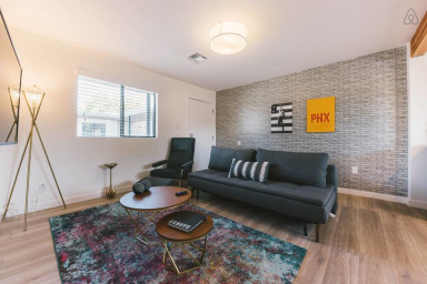 Capri XIII Prime Location 1BR in Roosevelt Row District