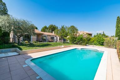 Villa Naturo - Séjour bien-être en Provence pour 4 avec piscine