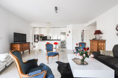 2BR-Spacious, Bright, hudge terrace in Cannes-CONGRESS/BEACHES-by IMMOGROOM