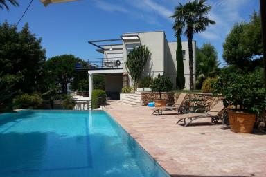 IMMOGROOM- VILLA- swimming-pool-Garden- 6 persons