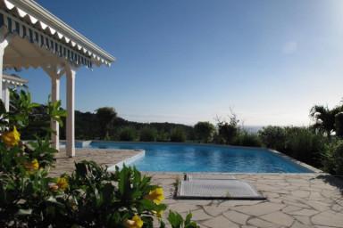 Villa de charme à louer à Bouillante en Guadeloupe pour 8 personnes