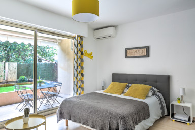 IMMOGROOM- 3*** EXCLUSIVE -Terrace-10min from beaches- A∕C-CONGRESS/BEACHES