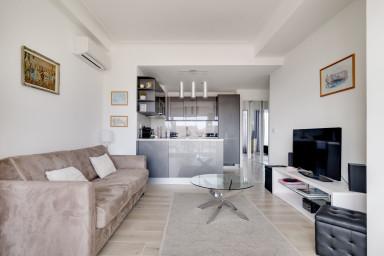 Appartement avec terrasse au dernier étage à 2mins de la Place Masséna