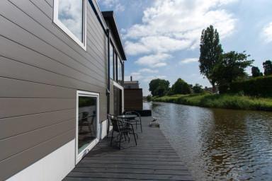 Houseboat Amsterdam North (sleeps 4)