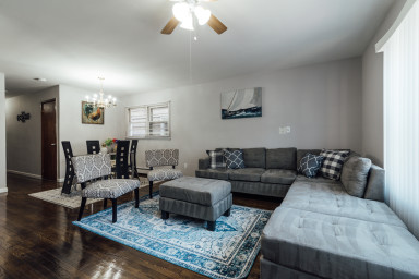 3BR at Journal Sq PATH station and min to NYC