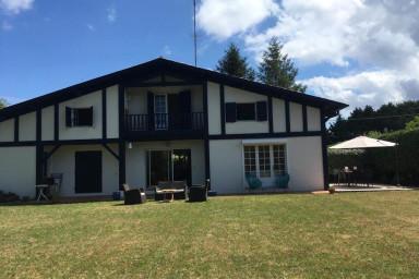 Jolie maison traditionnelle avec jardin sur Golf international d'Arcachon
